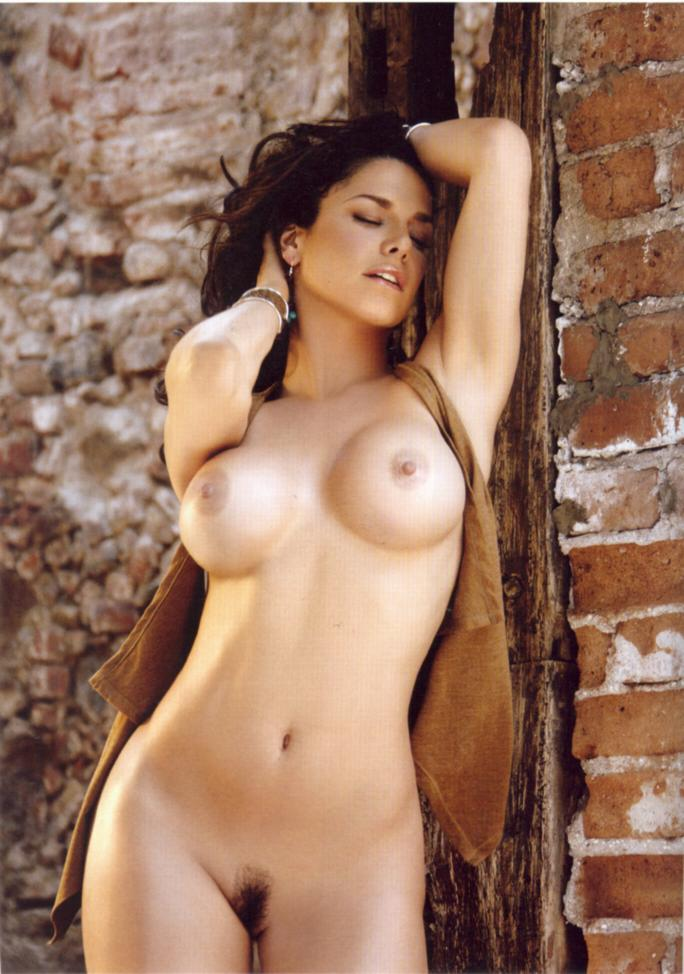 Latin girls nude pictures