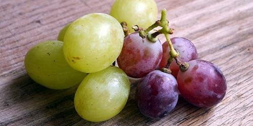 Buah anggur bermanfaat untuk menambah darah