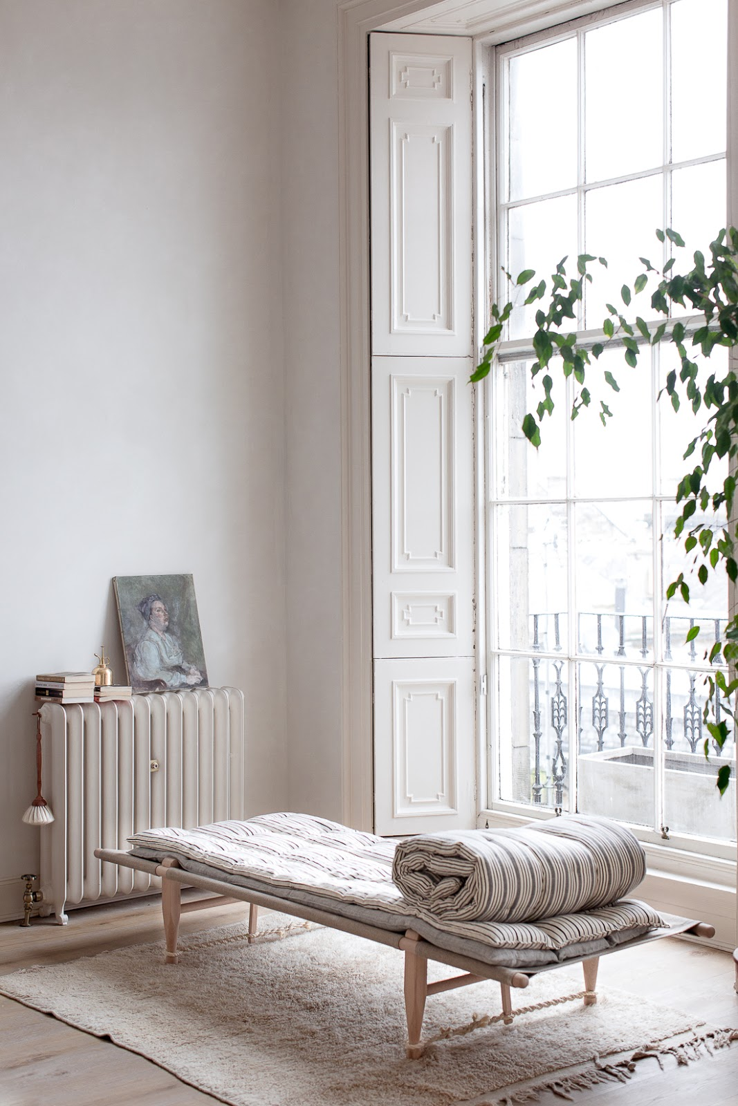 ilaria fatone - a comforting and minimal home - the daybed by the window