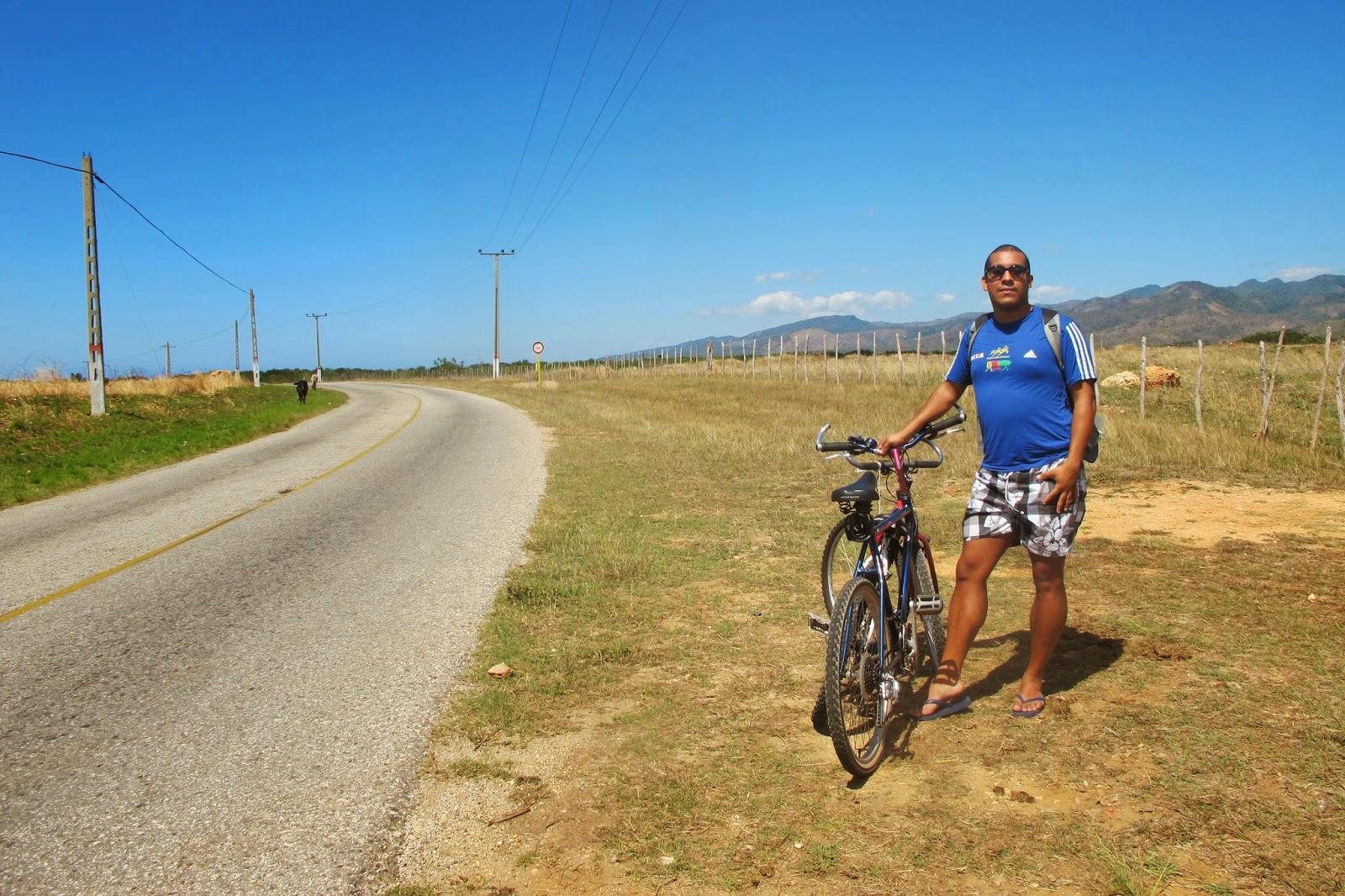 De bicicleta pelo Caribe de Cuba, na Península Áncon.
