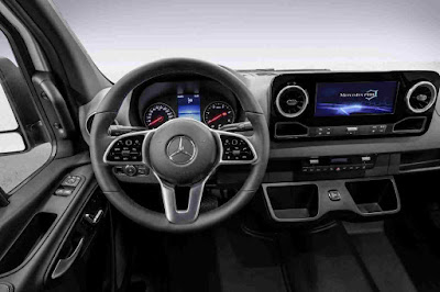 Inside the new Mercedes-Benz Sprinter - outstanding center console