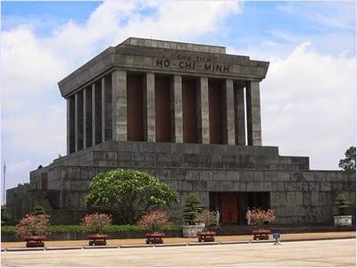 สุสานโฮจิมินห์ (Ho Chi Minh' s Mausoleum)