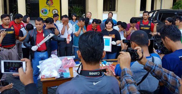 Pesta Gay di Surabaya, Media Internasional Sentil Indonesia