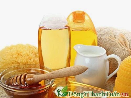 Cách trị bệnh nhiệt miệng bằng dầu dừa và mật ong