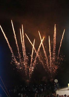 Milhares de pessoas brindaram a chegada de 2018 na Ilha Comprida