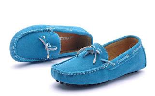 Contoh Sepatu Wanita Yongki Komaladi Terbaru