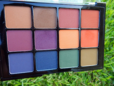 Viseart Eye Shadow Palette '4 Dark Mattes' - www.modenmakeup.com