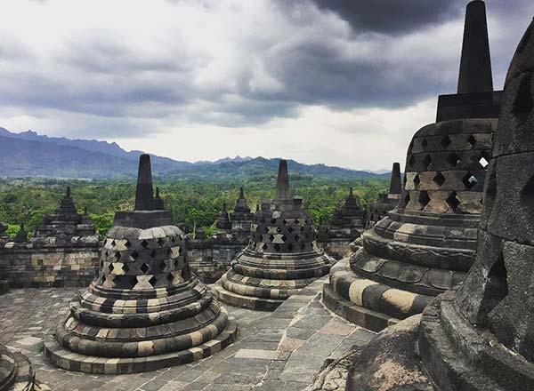 Keseruan Berwisata Sejarah ke Candi Borobudur