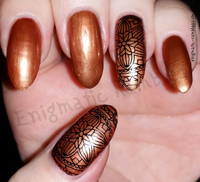 bronze-flower-nails-nail-art-floral