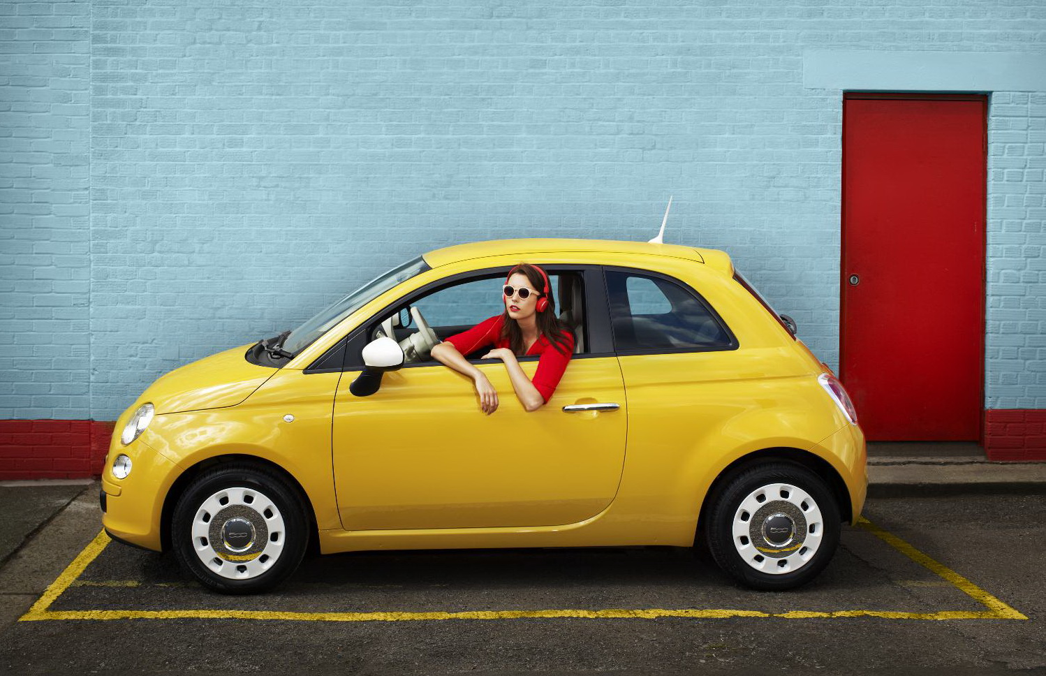 Fiat 500 Retro Fiat 500 With Retro Colours Cars And Life Cars Fashion