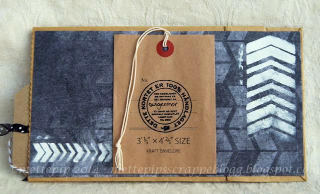 1871da32 En like enkel bakside hvor jeg har brukt stensilen til å lage litt mønster.  Gråpapirposen er fra Andrine & Marens Landhandleri, og håndlagetstempelet  er fra ...