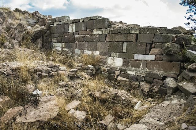 Ruinas del témenos del templo de Atenea Polias