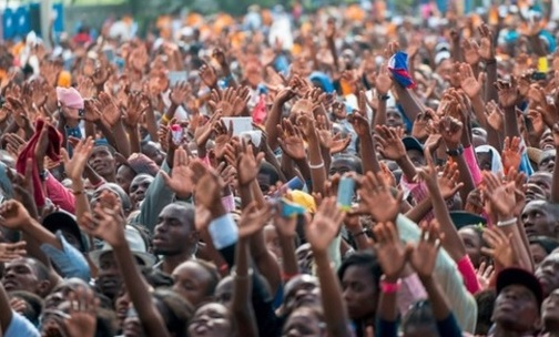 Miles de cristianos reunidos en campaña evangelística en Haití