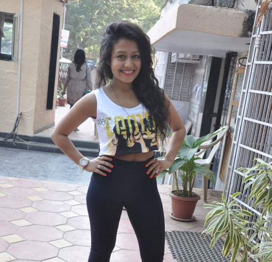 Neha Kakkar Thera Ghata Downlpad: 52 Neha Kakkar Beautiful Hd Pictures Photos And Pics