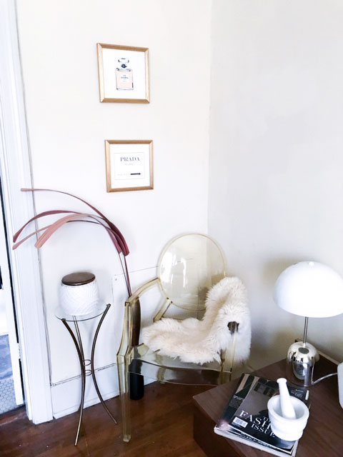 ghost chair, vintage furniture,  thrifted frames, repurposed frames, gallery wall, DIY