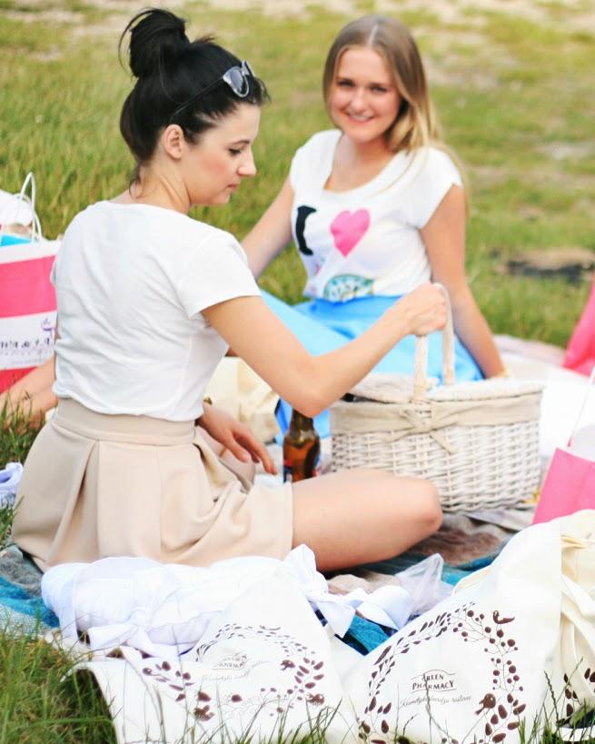 http://www.kadikbabik.pl/2014/06/nareszcie-piknik.html