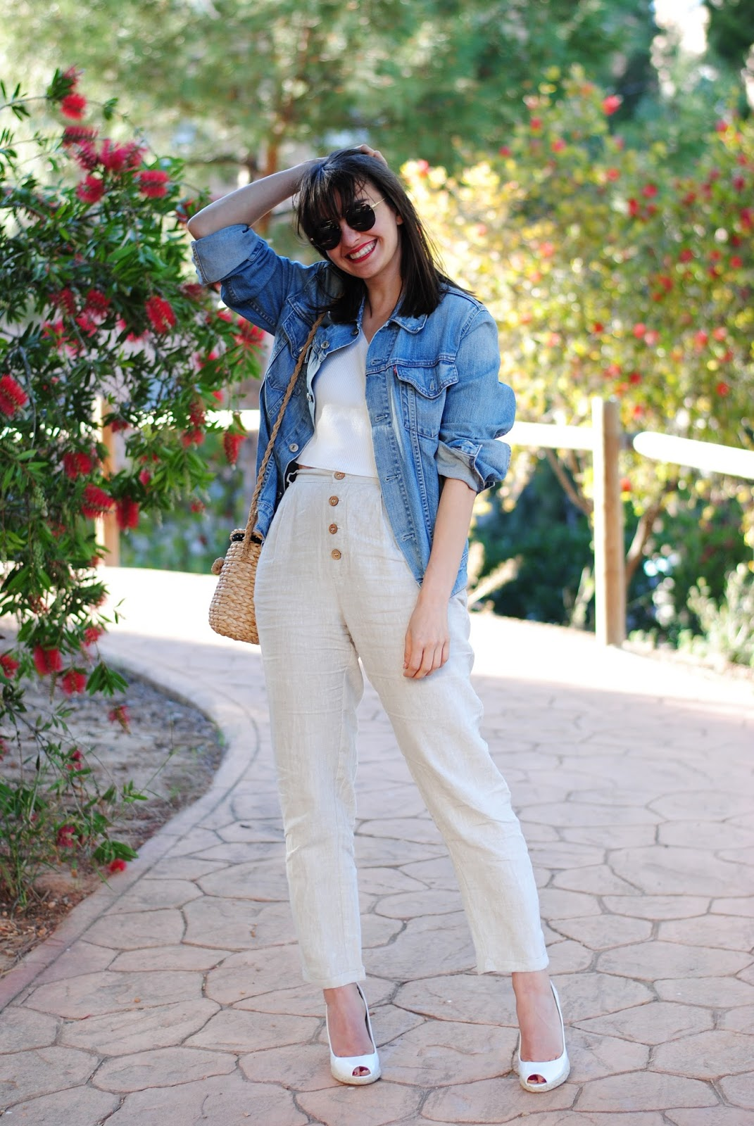 Pantalones lino Mango