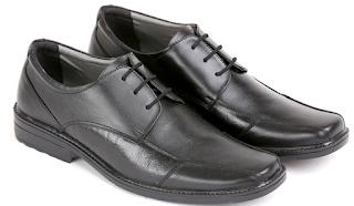 7 Merek Sepatu Pantofel Pria Keren yang Paling Bagus
