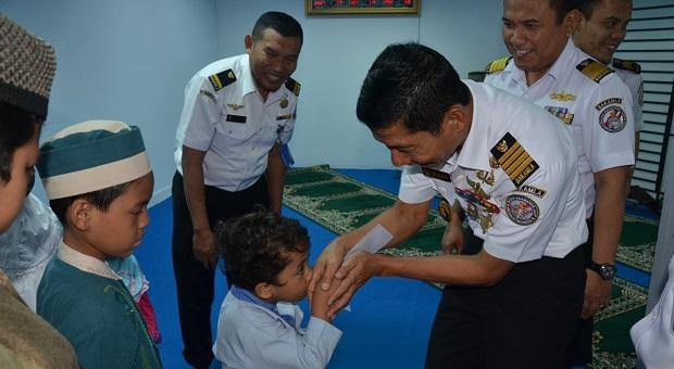 DKM Nurul Iman Bakamla Santuni Anak Yatim
