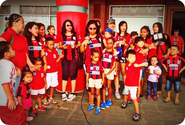 Lawan PSM Makassar, Pemain Persipura Bawa Keluarga