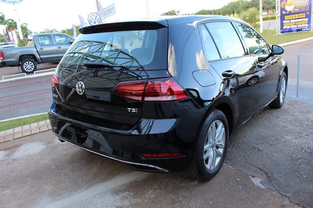 VW Golf 2018 Comfortline Automático