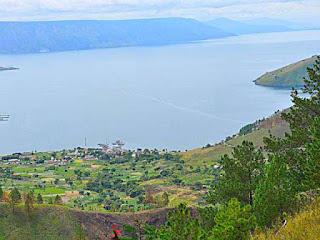tempat-wisata-danau-poso.jpg