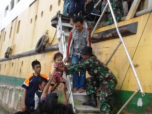 evakuasi, korban, KM,Sabuk Nusantara, Selayar