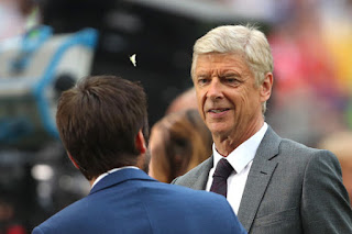 Unai Emery Takes Shot at Arsene Wenger for Club neglect
