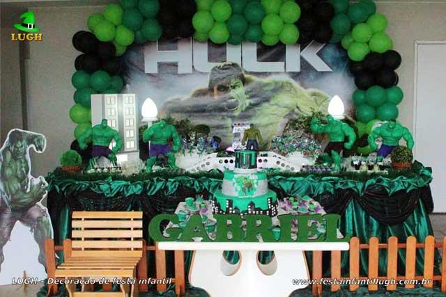 Decoração tradicional de tecido versão luxo - Festa masculina tema do Hulk
