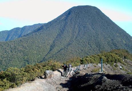 6 Tempat Yang Wajib Kamu Kunjungi JIka Berwisata Ke Cianjur