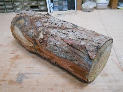 larch sculpture log