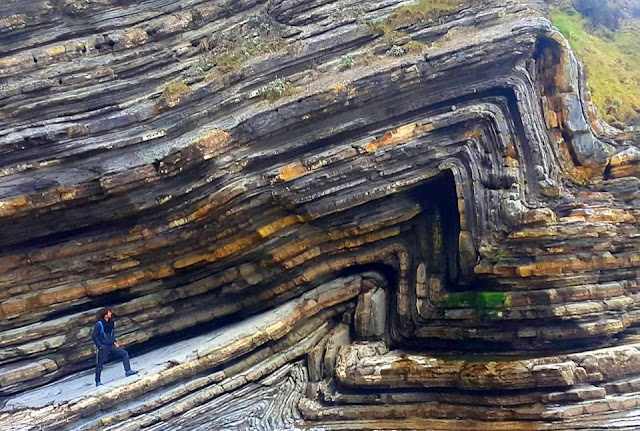 Folded Carbonates flysch, France