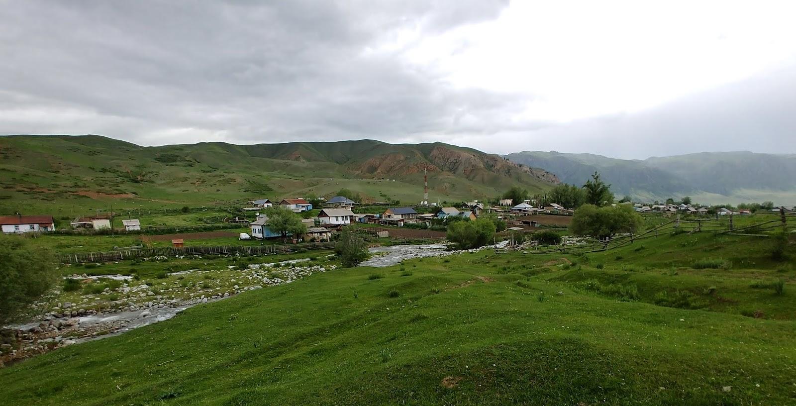 Najpiękniejsza wioska Kazachstanu i konna wyprawa do Kolsai