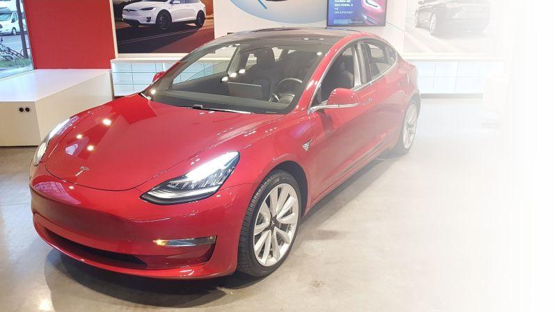 Tesla Model 3 - Elektroauto