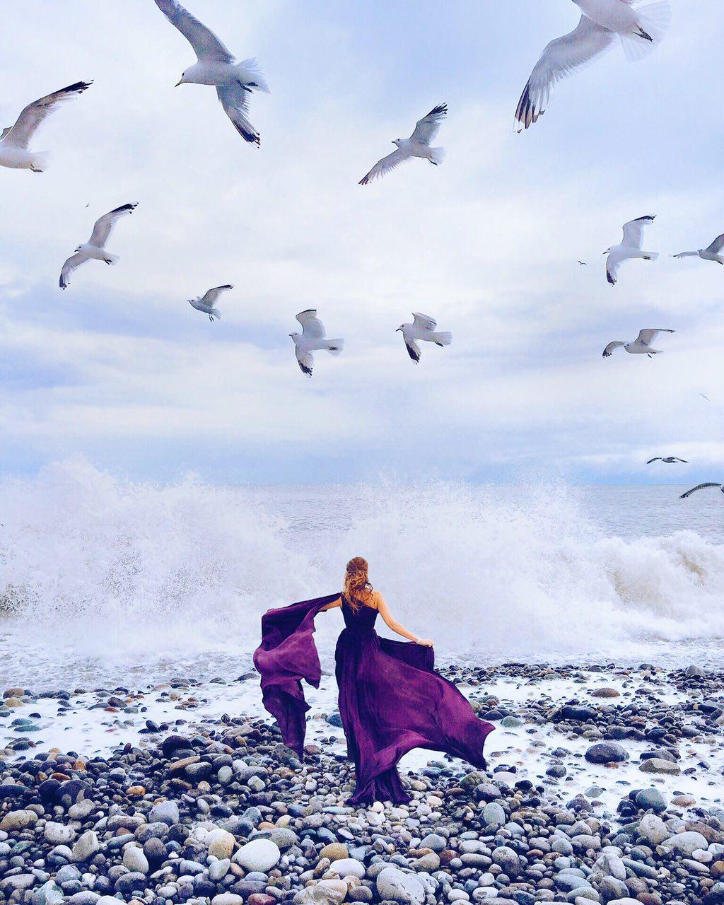 девушка море чайки платье
