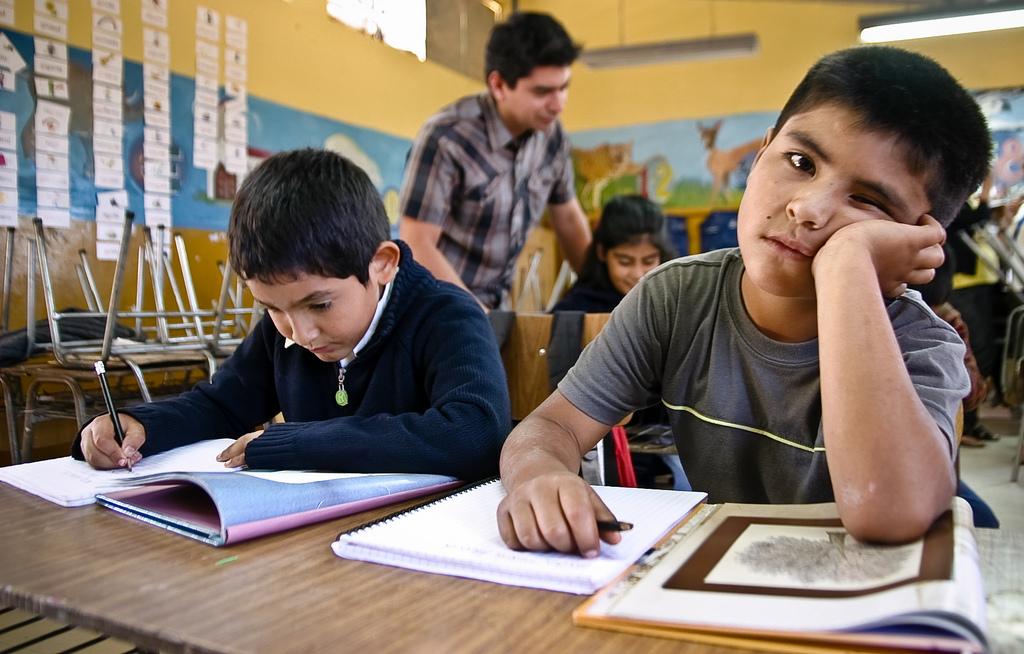 Resultado de imagen para niños escuela aburridos