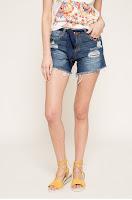 Pantaloni scurti • Desigual