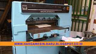 Wohlenberg 76 paper cutting machine