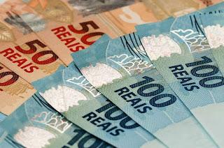 http://vnoticia.com.br/noticia/2835-estado-paga-salarios-integrais-de-maio-a-todos-os-servidores-nesta-quinta-feira-14-6