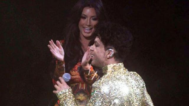 Prince echó del escenario a Kim Kardashian en uno de sus conciertos (VIDEO)