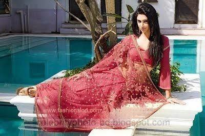Indian Hot Girls In Sexy Half Blouse Saree Photos 2014