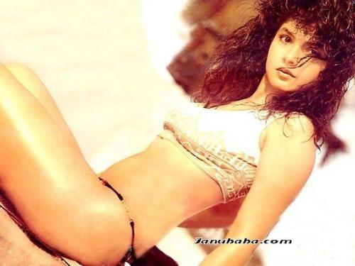 Pooja Bhatt Unseen Bikini Pics-9846