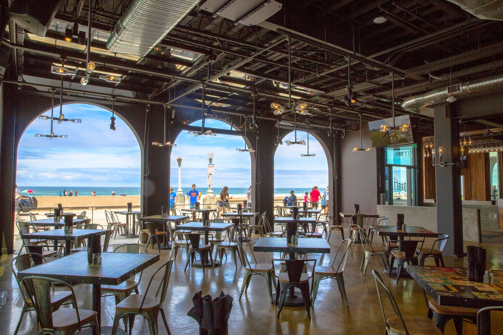 Draft Brings The Best Of Mission Beach Belmont S Newest Beer Bar Offers Everything One Could Want And More