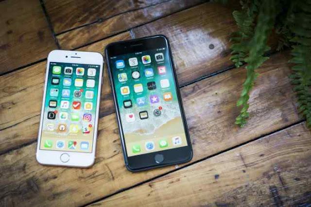Apple bakal merilis tiga seri terbaru iphone tahun 2018. Ketiga iPhone ini kabarnya memiliki rancangan full screen dan TrueDepth Camera, teknologi yang sama pada iPhone X.