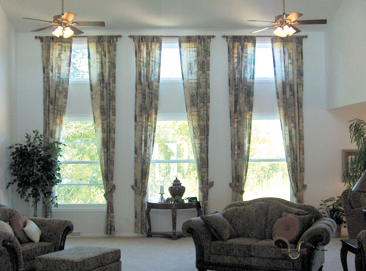 A guide to housecoats room pictures - Window curtain ideas for living room ...