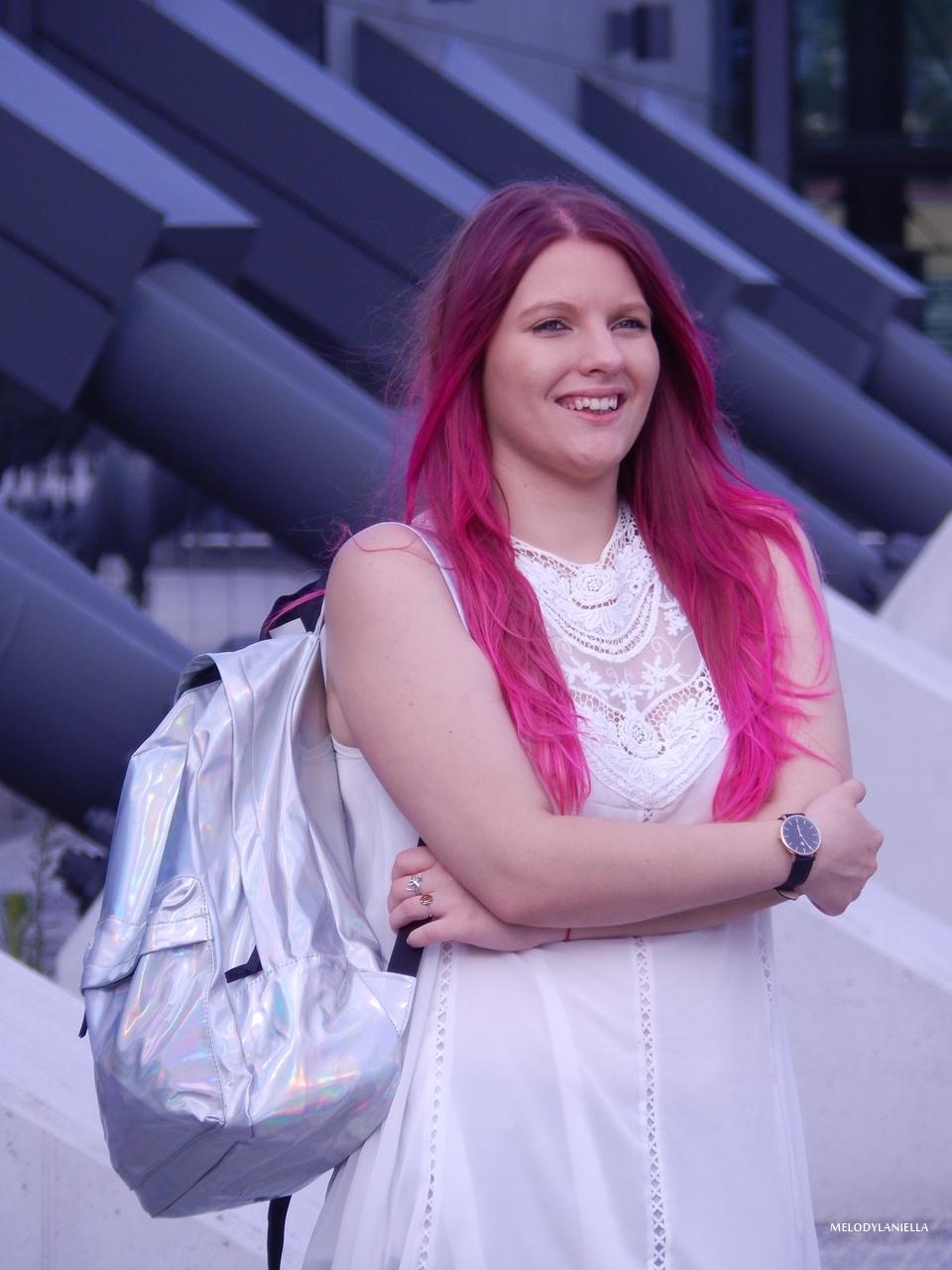 14 holograficzny plecak betterlook.pl farby venita różowe włosy jak pofarbować włosy kolorowe włosy ombre pink hair paul rich watches zegarek czarne jeansy z dziurami modna polka lookbook