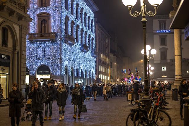 Piazza della Repubblica :: Canon EOS5D MkIII | ISO400 | Canon 50mm | f/2.5 | 1/40s