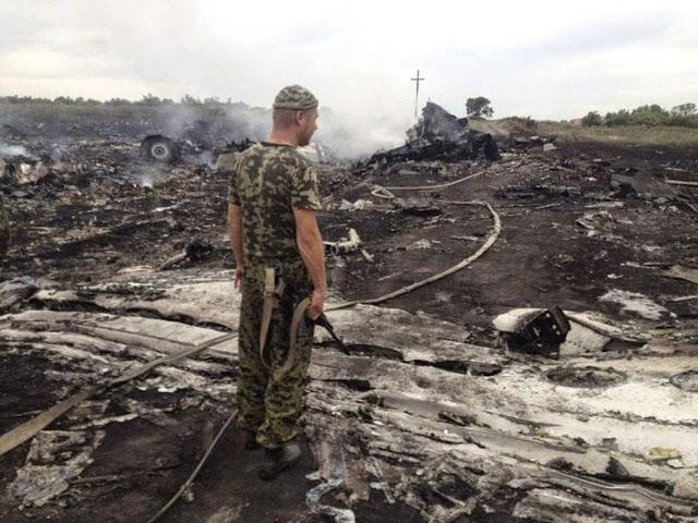 Gambar serta foto MAS MH17 Terhempas di Ukraine