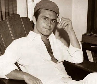 Foto de Leonardo Flavio posando con sombrero
