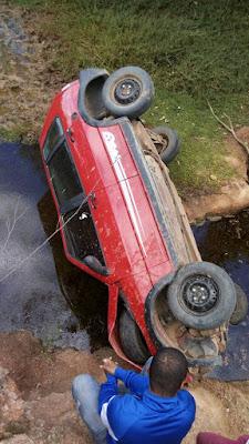 Casal sofre acidente de carro entre Mairi e Angico; mulher morre quando estava sendo transferida
